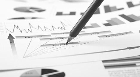 Stylo sur document financier